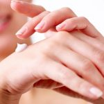 Jak prawidłowo zadbać o dłonie?
